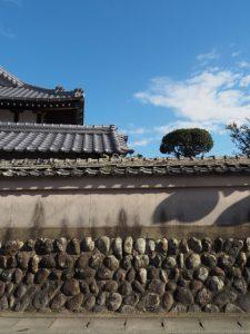 延命寺の土塀(明和町坂本)