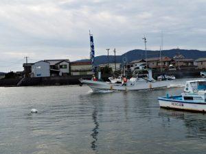 篠島からの御幣鯛御用船のお出迎え(伊勢市神社港)