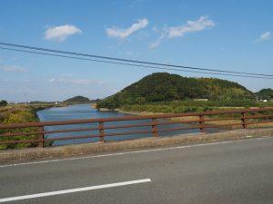 堀割橋から望む五十鈴川の下流側