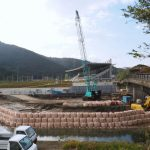 これは新しい御側橋(五十鈴川)の架橋工事?