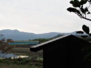 かなりの釘が浮いている定の立札、朝熊神社(皇大神宮 摂社)