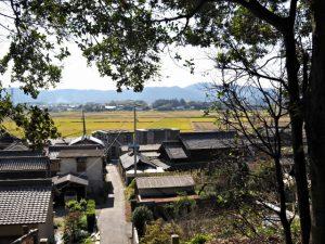 棒原神社(皇大神宮 摂社)から望む蚊野神社(同)方向