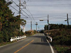 勝田大池の東側の交差点(度会郡玉城町勝田)