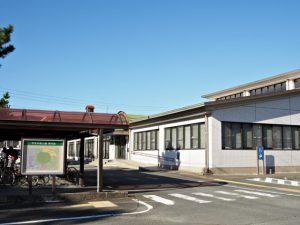 鳥羽市立図書館(鳥羽市大明東町)
