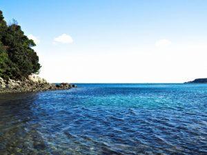 伊射波神社の海に面した鳥居前の海(鳥羽市安楽島町)