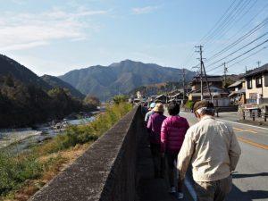 深野大橋(櫛田川)付近から櫛田川の沈下橋へ