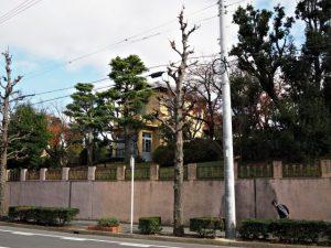 音聞坂にて(市バス 弥生ケ岡 バス停付近)