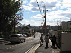 八事東小学校への坂道(名古屋市天白区音聞山)
