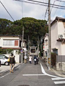 八事神社への参道
