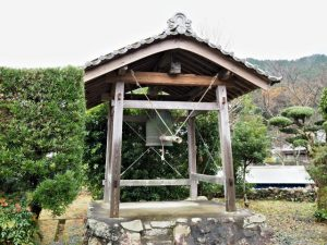 恵華山 廣福寺の鐘楼(度会町脇出)