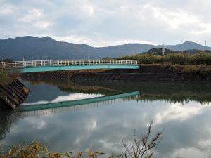 朝熊川に架かる歩道橋、朝熊神社(皇大神宮 摂社)付近