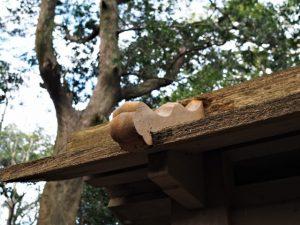 一部が修繕されていた玉垣猿頭門、志宝屋神社(豊受大神宮 末社)