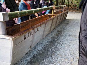 手水舎の脇に設置されている仮設の手水所(内宮)