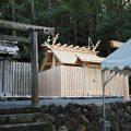 上棟祭の朝、仮殿である朝熊御前神社と朝熊神社(ともに皇大神宮 摂社)