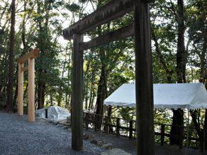 上棟祭の朝、朝熊神社(皇大神宮 摂社)