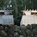 御造替が始まる朝熊御前神社と御遷座を終えた朝熊神社(ともに皇大神宮 摂社)
