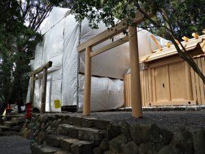 御造替中の朝熊御前神社と仮殿となっている朝熊神社(ともに皇大神宮 摂社)