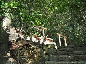 朝熊御前神社と朝熊神社(ともに皇大神宮 摂社)