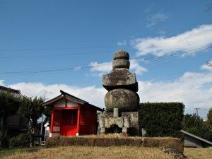 清丸稲荷神社と大五輪(伊勢市楠部町)