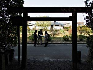 志宝屋神社(豊受大神宮 末社)より望むは、享保年間大湊町絵図模写(波除堤築造以前)に描かれた寿し桶田畑