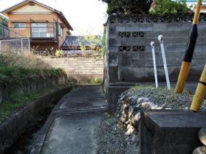 田上大水神社・田上大水御前神社(ともに豊受大神宮 摂社)付近の水路に沿って