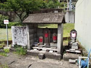 加田石仏道標(JR紀勢本線 赤羽踏切付近)