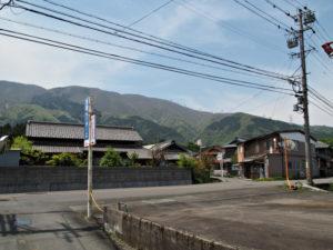 東本郷 バス停付近〜本郷橋(員弁川)(濃州道)