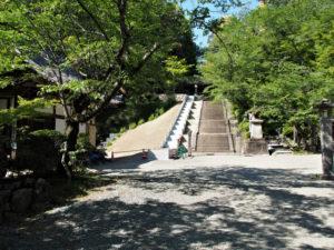 再建が開始された回廊、丹生山神宮寺(多気町丹生)