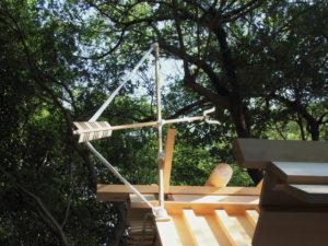上棟祭の朝、新しい殿舎の屋根には雁股(矢)、粟皇子神社(皇大神宮 摂社)