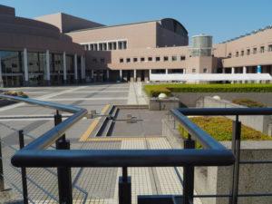 三重県文化会館(津市一身田上津部田)