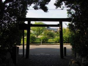 志宝屋神社(豊受大神宮 末社)の社窓から