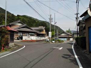 鳴谷神社への分岐(巡見道)