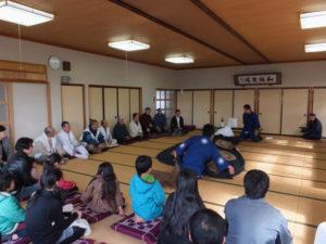 2013年02月16日 服部勝行さん、羽根区公民館(田丸神社、獅子頭の田辺地区巡幸)