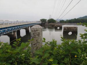 五十鈴川の左岸から望む汐合橋方向