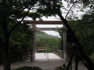 東詰から望む宇治橋(五十鈴川)