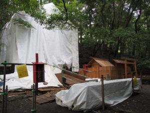 大修繕が続けられる大山祇神社(皇大神宮 所管社)と仮殿