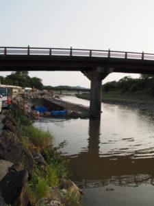 五十鈴川に架かる新橋と護岸修復工事