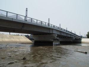 架け替えられた江戸橋(志登茂川)