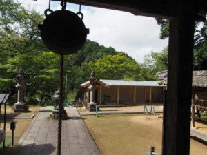 大師堂から望む再建中の回廊、丹生山神宮寺(多気町丹生)