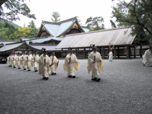 神御衣祭、正宮への参進