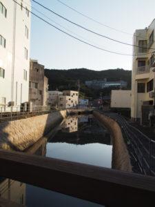 妙慶川に架かる相橋から望む樋ノ山方向