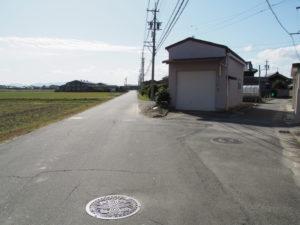 県道707号のY字路(多気郡明和町内座)