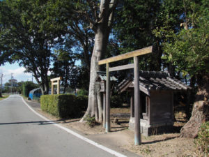 須賀神社と庚申堂(多気郡明和町行部)
