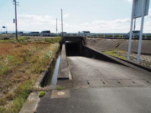 国道23号のアンダーパス(多気郡明和町行部)