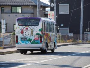 週末によく見かけるおかげバス(本日はミタス伊勢付近にて)