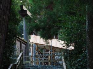「即位礼及び大嘗祭後神宮に親謁の儀」に向けて設営される雨儀廊(内宮)