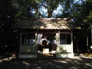 祭典の準備が進められていた御薗神社(伊勢市御薗町王中島)