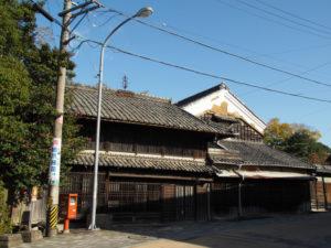 11 連子格子・幕板・板庇の家(東海道 (15)亀山宿・A)