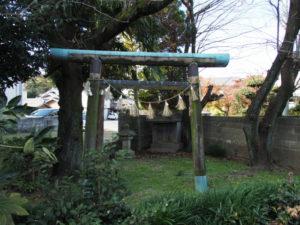 8 シャングリサンの小祠(東海道 (14)和田)