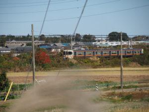 国道1号から望むJR関西本線